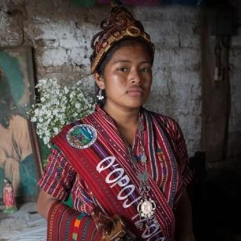 fotoreportaje-reinas-indigenas-mayas-guatemala-compartido-the-guardian-tradiciones-trajes-ancestrales