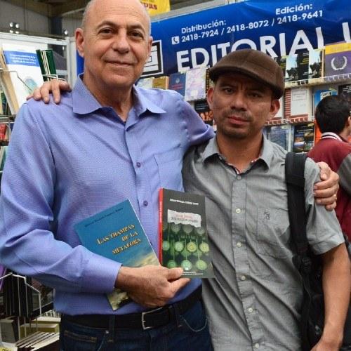 guatemalteco-giovany-coxolca-gano-premio-poesia-editorial-praxis-2020-mexico-libros-quijote-memorias-ixmukane