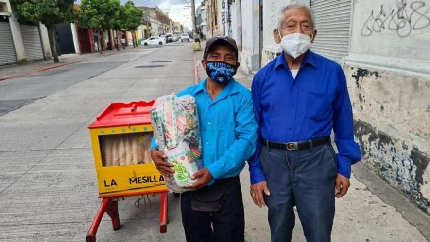 Abuelitos heladeros crearon iniciativa de recolección de víveres para donación de alimentos