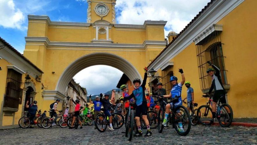 Bicicultura, tour en bicicleta por las calles de Antigua Guatemala | Noviembre 2020