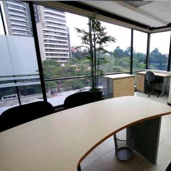 Descuentos en alquiler y servicios en WWW Business and Training Centre Guatemala 1