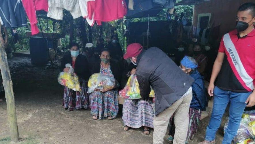 Erick Barrondo ayudó a familias guatemaltecas de Alta Verapaz por la depresión tropical ETA