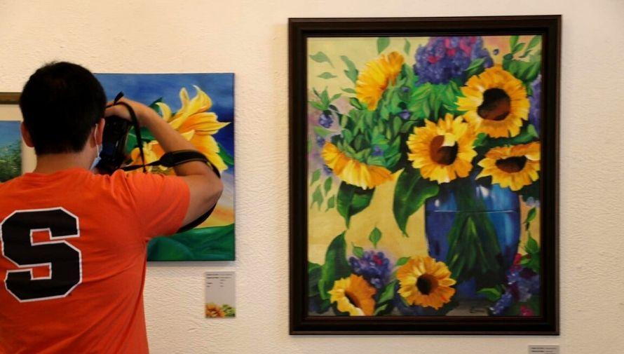 Exposición de arte dedicada al girasol, Festival de las Flores de Antigua Guatemala Noviembre 2020 (1)