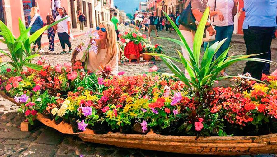 Exposición de arte en homenaje a los guatemaltecos, Festival de las Flores 2020   Noviembre 2020