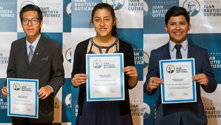 Fundación Juan Bautista Gutiérrez otorgó 50 becas a jóvenes estudiantes de Guatemala