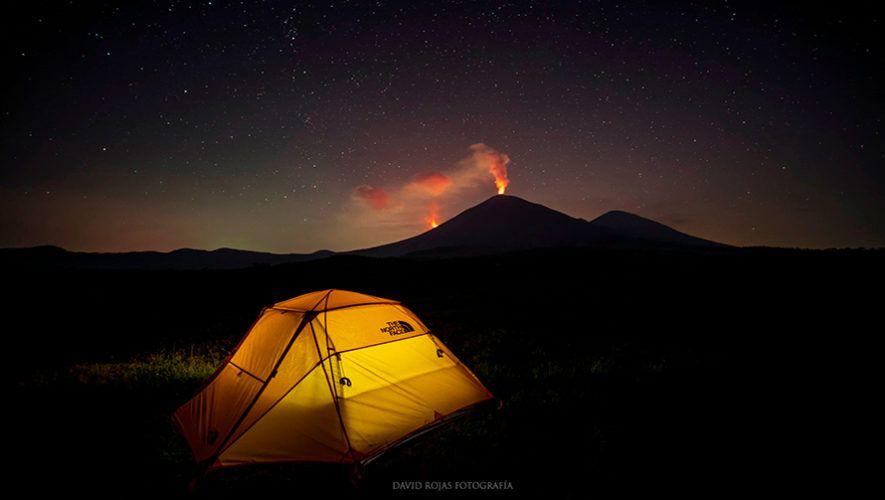 Nueva fisura del volcán Pacaya, tienda de campaña - Fotografía David Rojas