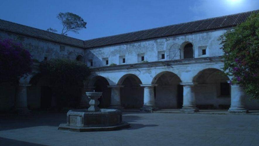 Recorrido nocturno por el Convento de Capuchinas, Antigua Guatemala   Noviembre 2020