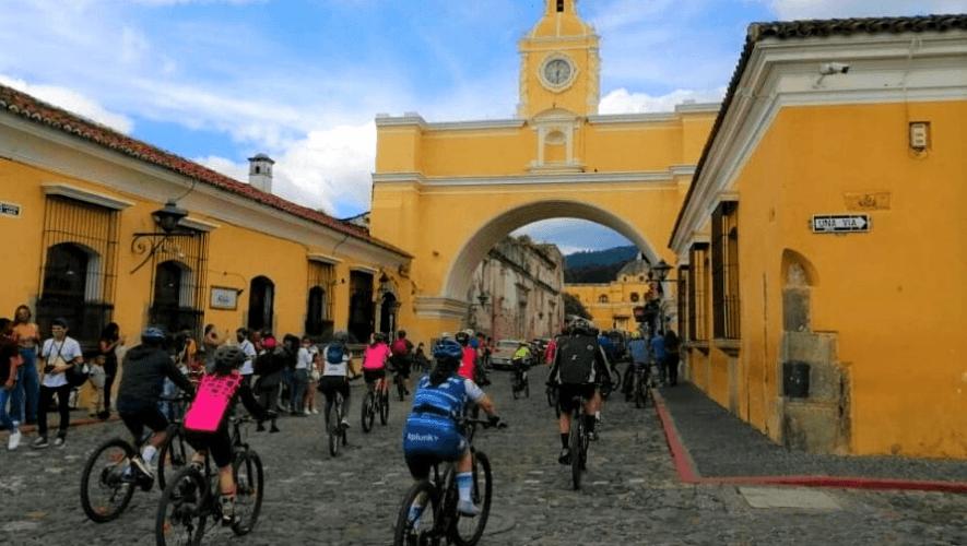 Tour en bicicleta desde Antigua Guatemala al Festival del Níspero   Noviembre 2020