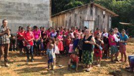 Voluntariado busca llevar bolsas de alimento y suministros de limpieza a familias guatemaltecas