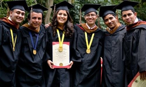convocatoria-beca-completa-estudiar-psicologia-ufm-2021-diversificado-graduacion-recursos-economicos