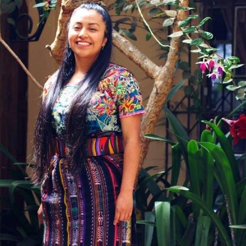 guatemalteca-desarrolla-investigacion-geometria-guipiles-mayas-historia-surgio-objetivos