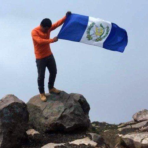 guatemalteco-compartio-video-volando-barriletes-frente-volcan-fuego-escalar-pasatiempos