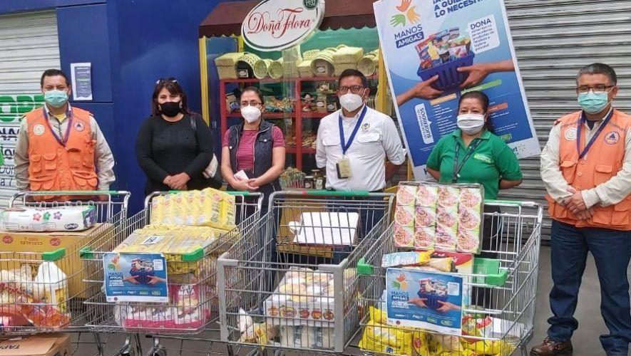 manos-amigas-centro-acopio-walmart-ayudar-guatemaltecos-afectados-eta
