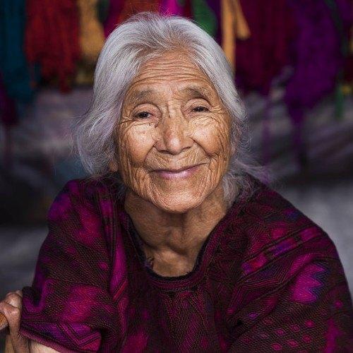 mujeres-guatemaltecas-aparecen-libro-atlas-belleza-mihaela-noroc-historia-jacinta
