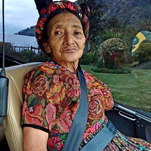 pareja-quetzalteca-cumplio-sueno-viajar-helicoptero-gracias-hijos-maria-luisa-leon-cabrera