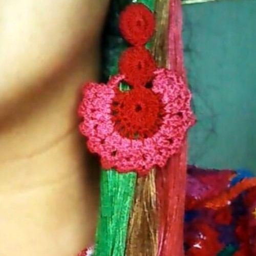 raquel-perez-emprendio-negocio-aretes-hechos-crochet-san-juan-sacatepequez-diseños-personalizados-creaciones-originales