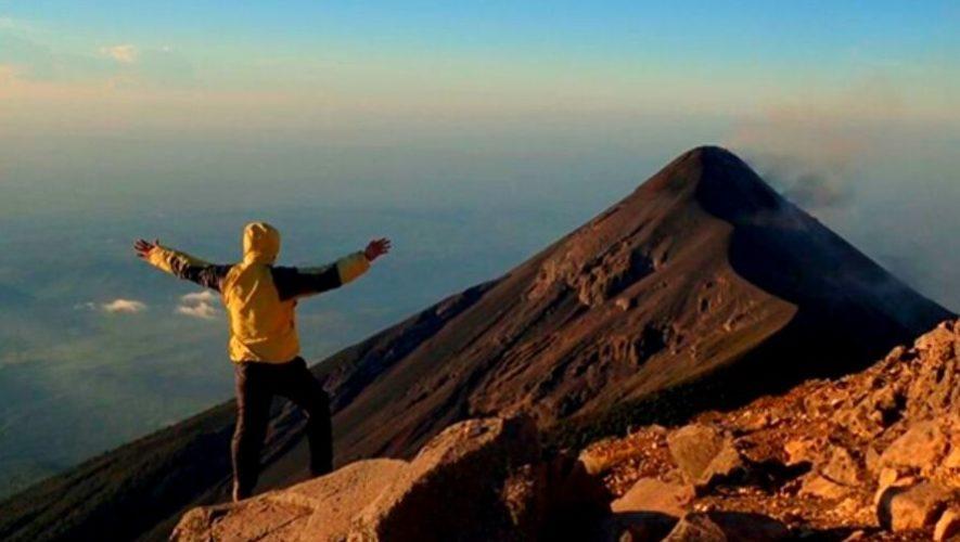 Ascenso nocturno al volcán Acatenango y tour a cervecería | Enero 2021