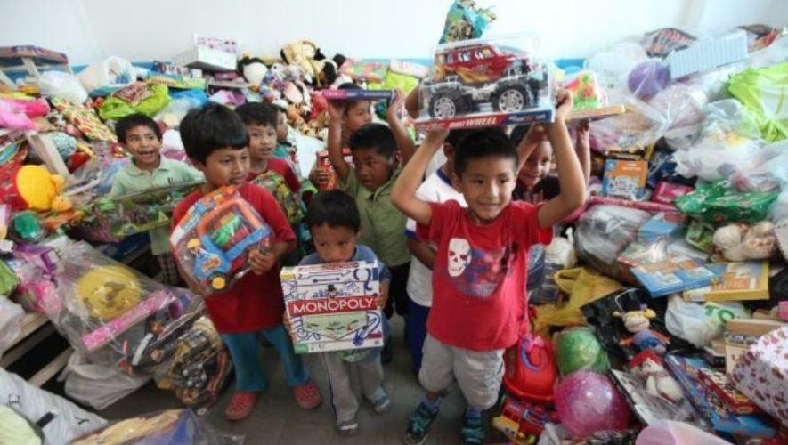 Colecta de juguetes a beneficio de los niños en albergues afectados por ETA e IOTA