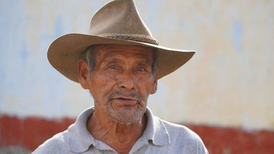 el famoso minero que elabora sal negra en Sacapulas Quiché