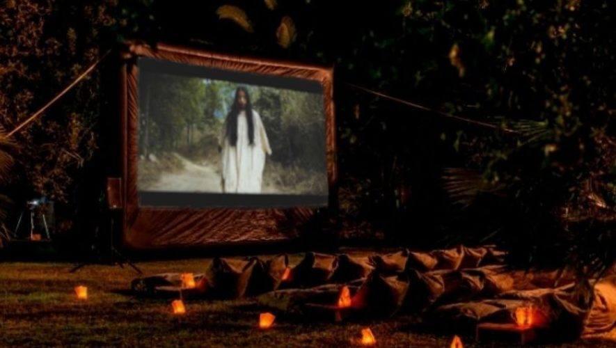 Proyección de La Llorona, de Jayro Bustamante, cerca de Antigua Guatemala | Diciembre 2020