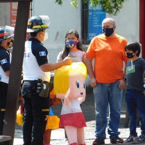 bomberos-voluntarios-promovieron-campana-uso-responsable-pirotecnia-guatemala-recomendaciones