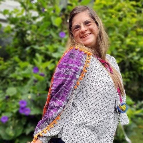 disenadora-guatemalteca-isabella-springmuhl-destaco-reportaje-univision-edad-semana-moda-fashion-week-londres