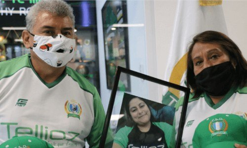 equipo-futbol-csd-tellioz-rindio-homenaje-hija-lobo-vasquez