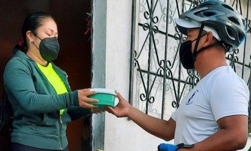 guatemalteco-eduardo-perez-emprendio-servicio-mensajeria-ecologico-ya-vengo-domicilio