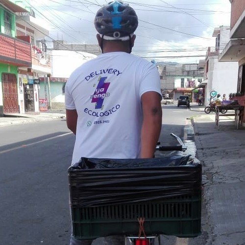 guatemalteco-eduardo-perez-emprendio-servicio-mensajeria-ecologico-ya-vengo-empresa-futuro-trabajo