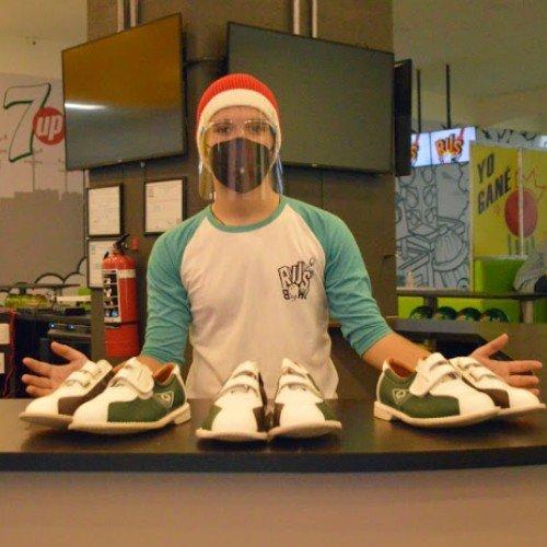 rus-bowl-boliche-inclusivo-personas-sillas-ruedas-ciudad-guatemala-calzado-prestamo