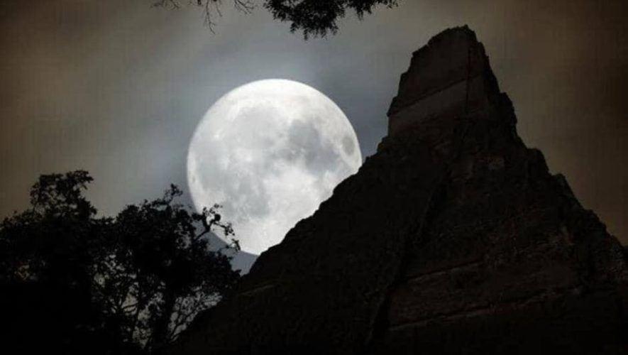 Campamento en Tikal para observar la Luna Llena | Enero 2021