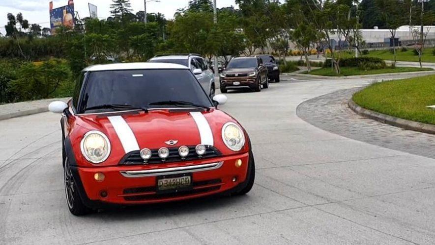 Caravana de Mini Coopers, de la Ciudad de Guatemala a Antigua Guatemala | Enero 2021