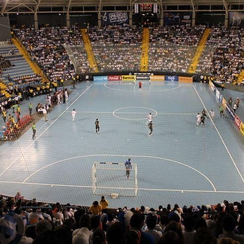 Descripción de la imagen: se observa un estadio de futsal, desde arriba. (Foto: CDAG)