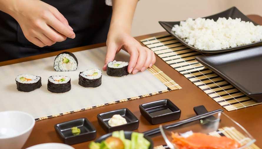 Taller para preparar y degustar sushi en Zona 10 Enero 2021