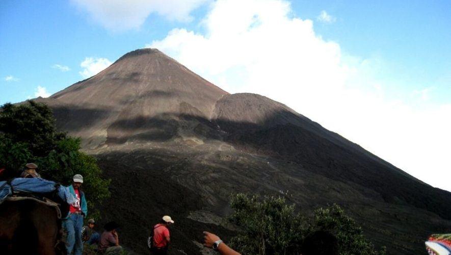 Viaje y campamento en el volcán Pacaya, desde Quetzaltenango   Enero 2021