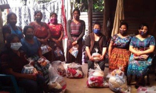 arte-sano-proyecto-ayuda-artesanos-guatemaltecos-destacado-vogue-mujeres-mayas-artesanas