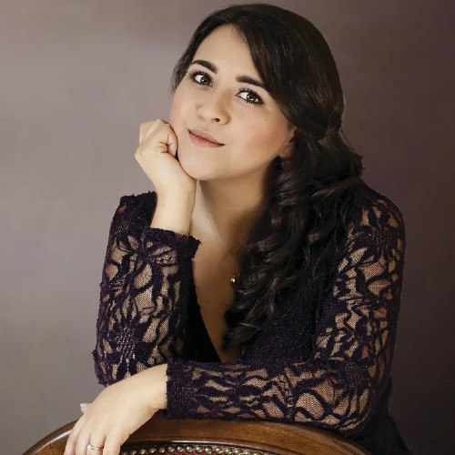 cantante-opera-guatemalteca-adriana-gonzalez-destacada-forbes-centroamerica-trayectoria-musical-premios