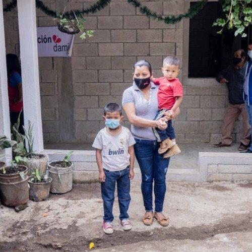 fundacion-damian-construyo-hogares-san-juan-sacatepequez-pacientes-tuberculosis-gloria-pirir