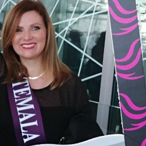 mariana-siebold-artista-guatemalteca-elegida-embajadora-movimiento-cultura-paz-originaria-guatemala-arte-biografia
