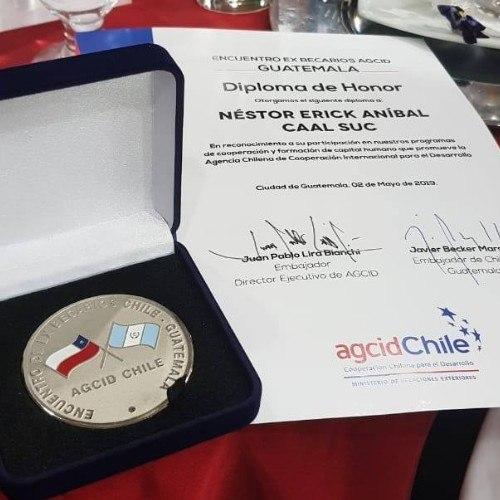 nestor-caal-suc-gano-beca-doctorado-ingenieria-geomatica-espana-reconocimiento-chile-agcid