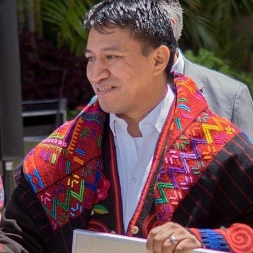 raices-poderosas-indumentaria-maya-guatemalteca-identidad-lenguaje-dioses-marcos-andres-antil-guatemaltecos