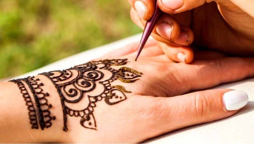 Tatuajes temporales de henna por el Día del Cariño Febrero 2021