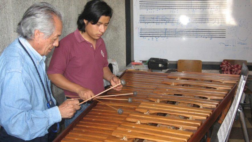 maestro-marimba-direccion-municipal-cultura-san-lucas-sacatepequez
