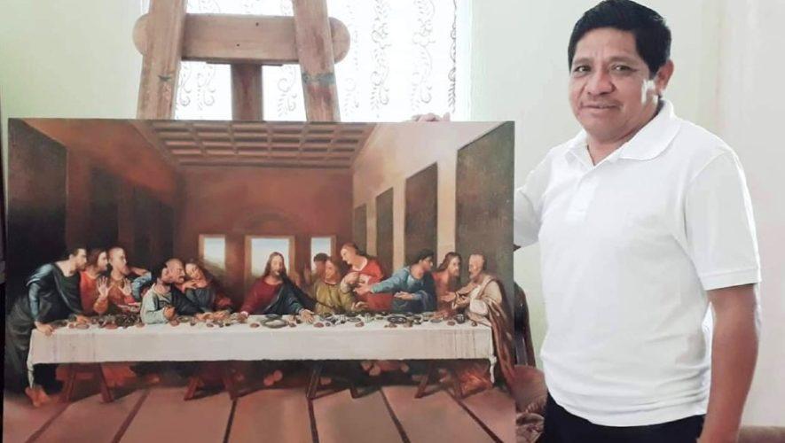 El maestro guatemalteco Fabian Mellado Díaz que es reconocido por sus pinturas en Ipala