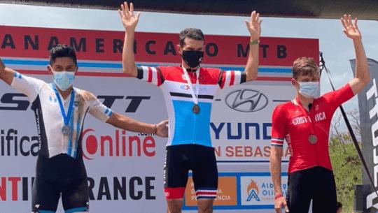 Jonathan de León ganó medalla de plata en el Campeonato Panamericano de MTB 2021