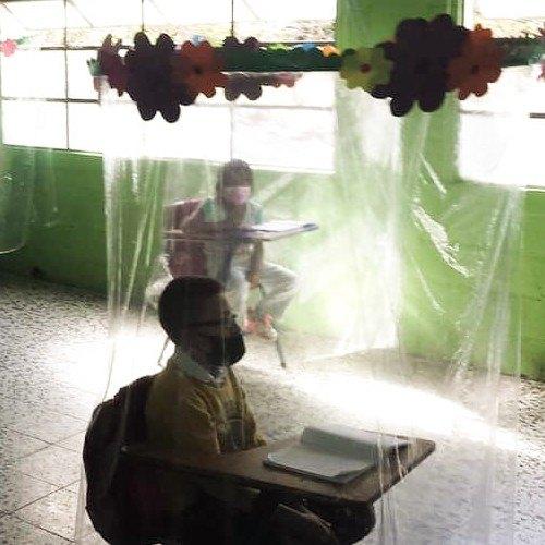 La maestra guatemalteca Vivian Chávez creó burbujas imaginarias en caserío La Asunción santa cruz naranjo Santa Rosa