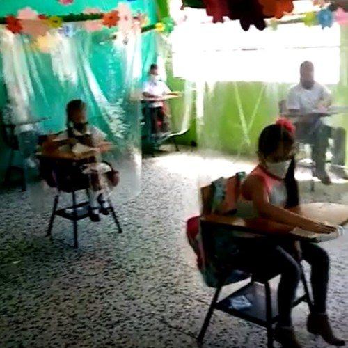Las burbujas invisibles de la Seño Vivi en Guatemala