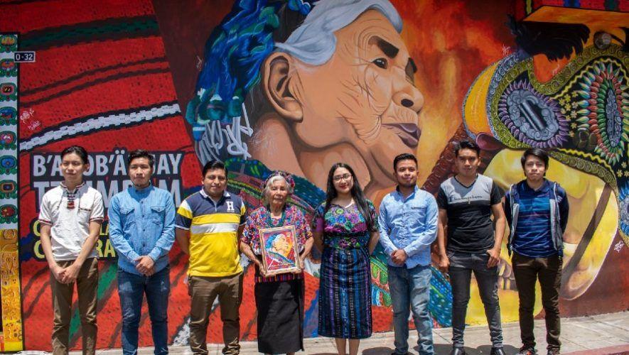 artistas-pintaron-mural-honor-melecia-jutzuy-bordadora-guipiles-sumpango