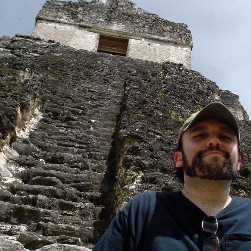 cineasta-guatemalteco-edwin-porres-jr-estreno-pelicula-hollyweird-guatemala-originario