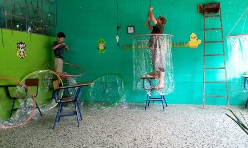 como surgio proyecto burbujas imaginarias maestra guatemalteca